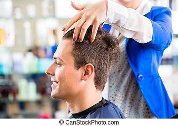 hår bitande, frisersalong, man, frisör