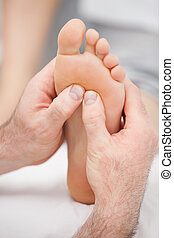 hænder, massaging, en, fod