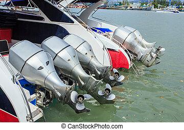 hélice, accélérez bateau