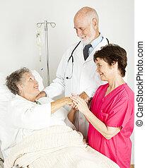 hôpital, attentif, personnel