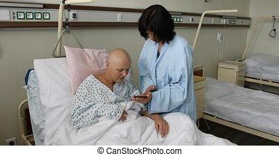 hôpital, femme, patient, ami, cancer