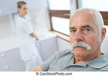 hôpital, mâle, patient, infirmière, personnes agées