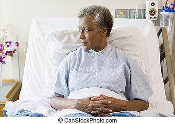 hôpital, personne âgée femme, lit, séance