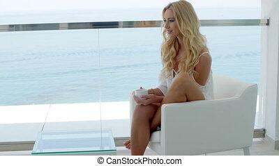 hôtel, femme, balcon, blonds, luxueux