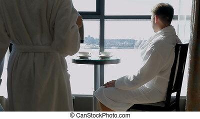 hôtel, femme, coffee., famille, séance, thé, couple, boisson, jeune, fenêtre, heureux, home., ou, homme