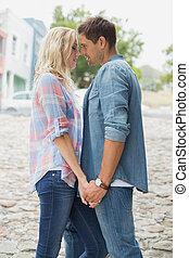 höft, ungt par, om att kyssa