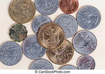hög, av, amerikansk peng, isolerat, vita, bakgrund