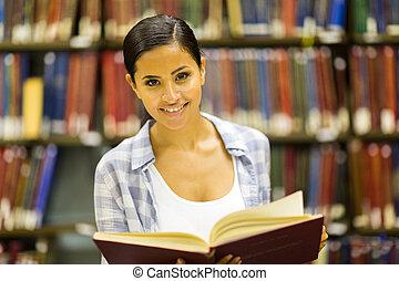 högskola, flicka läsa, in, bibliotek