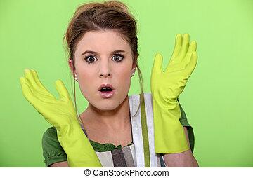 hölgy, takarítás, döbbent