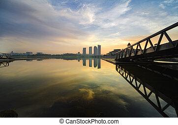 hölzern, landungsbrücke, und, schöne , szenerie, von, lakeshore, aus, sonnenaufgang, hintergrund, und, reflexion, auf, see