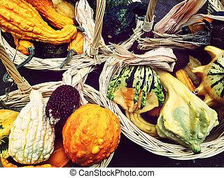 höst, grönsaken, korgar, färgrik
