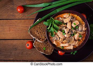 húngaro, paprikas, (goulash), galinha, com, mushrooms., vista superior
