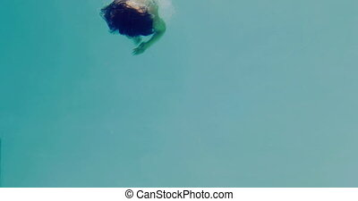 hübsch, brünett, tauchen, in, swimmin