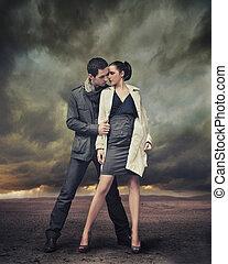 hübsch, ehepaar, aufwirft, aus, stürmisch, hintergrund