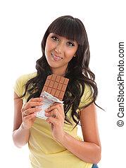 hübsch, junge frau, essen schokolade