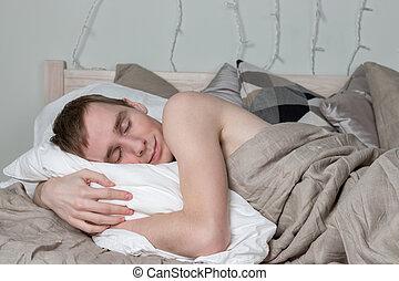 hübsch, junger erwachsener mann, eingeschlafen, in, bed., sexy, kerl, gleichfalls, basierend
