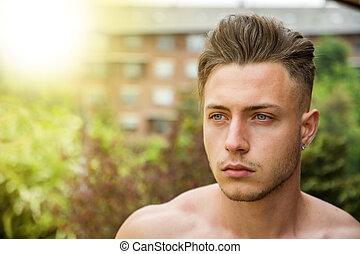hübsch, junger mann, draußen, headshot