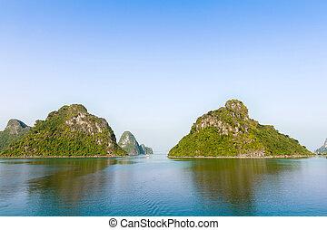 ha, bahía larga, y, montañas verdes, vietnam