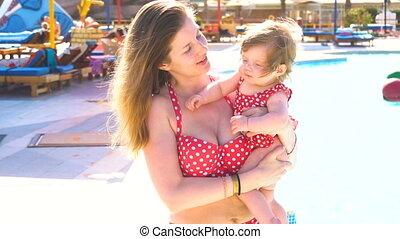haar, handen, vasthouden, moeder, baby meisje, vrolijke