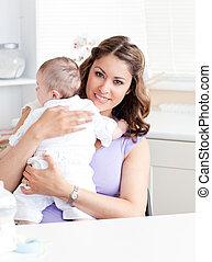 haar, positief, jonge, vasthouden, moeder, baby, keuken