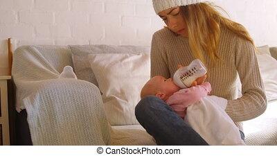 haar, thuis, moeder, baby, 4k, het voeden