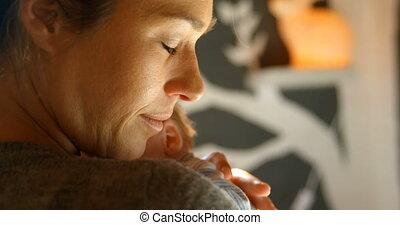 haar, thuis, moeder, baby, omhelzen, jongen, 4k