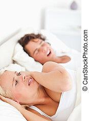 haar, verticaal, wakker worden, fiance's, snurken, vrouw, geërgerd