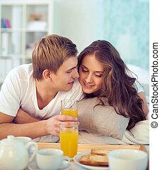 haar, vrouwlijk, ontbijt, het genieten van, echtgenoot, vrolijke