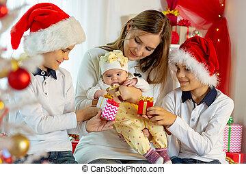 habit, noël heureux, famille, dons