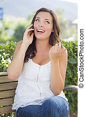 hablar, joven, banco, teléfono celular, adulto, hembra, aire libre