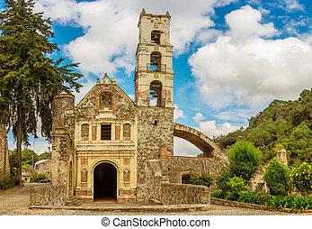 Hacienda Santa Maria Regla, Hidalgo. Mexico. - Church at...