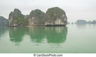 Hailong bay from boat timelapse