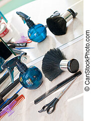 Hair dressers tools and accessories