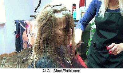 haircut model spray