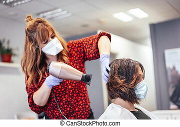 hairdryer., マスク, reopening, 処置, pandemic, 美容師, 乾燥, 毛, 美容師, 手袋, ブロンド, ブラウン, セキュリティー, client's, covid-19