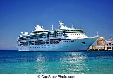 hajó cruise