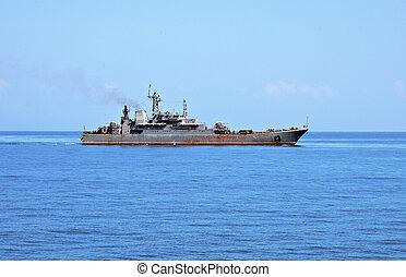hajó military