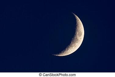 halbmond, neumond, in, a, dunkel blau, nacht himmel
