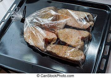 halibut, bistecca, in, il, pacchetto, per, cottura