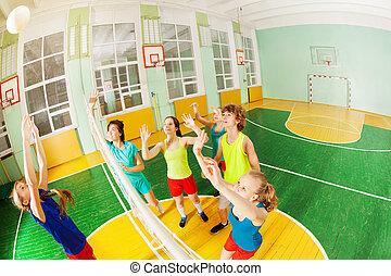 halle, spielende , teenager, volleyball, sport