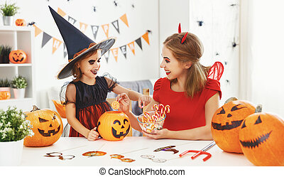 halloween, costumes, famille, heureux
