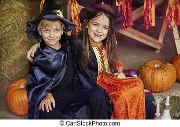 halloween, deux, célébrer, fête, amis, mieux