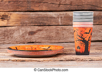 Halloween dinner plates and cups.
