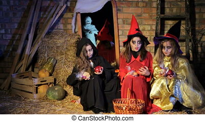 Halloween: Ghost Scaring Witches