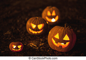 Halloween jack-o-lanterns - Halloween jack-o-lantern...