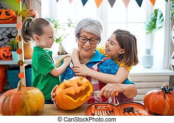 halloween, przygotowując, rodzina