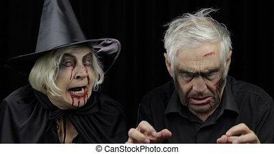 halloween, zombi, costumes., sorcière, homme, femme âgée
