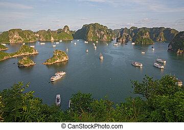 halong, vietnam, trastos, turista, bahía