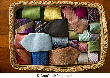 hals, kleurrijke, basket., verzameling, hout, banden, zijde