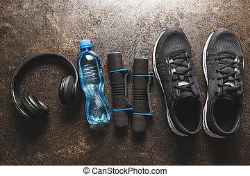 haltère, eau, concept., fôlatre chaussures, bouteille, noir, fitness, écouteurs